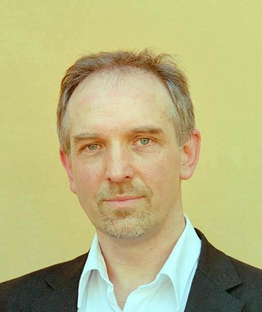 Dag Metin Ardel baryton på operascener i Stockholm