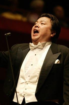 Francesco Hong South-Korean tenor 1972-