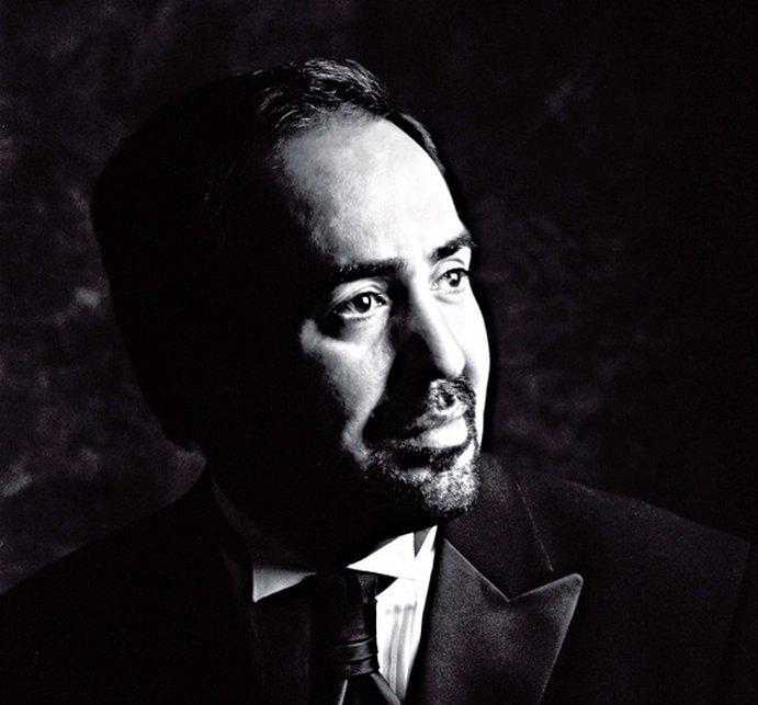 Eduardo Valdes tenor from Puerto Rico